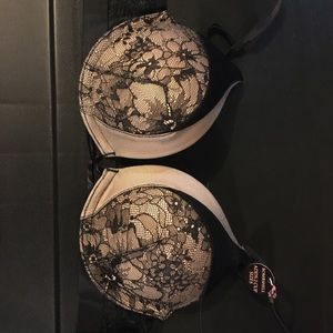 VS Bombshell Bra Sz 30A (black and tan)